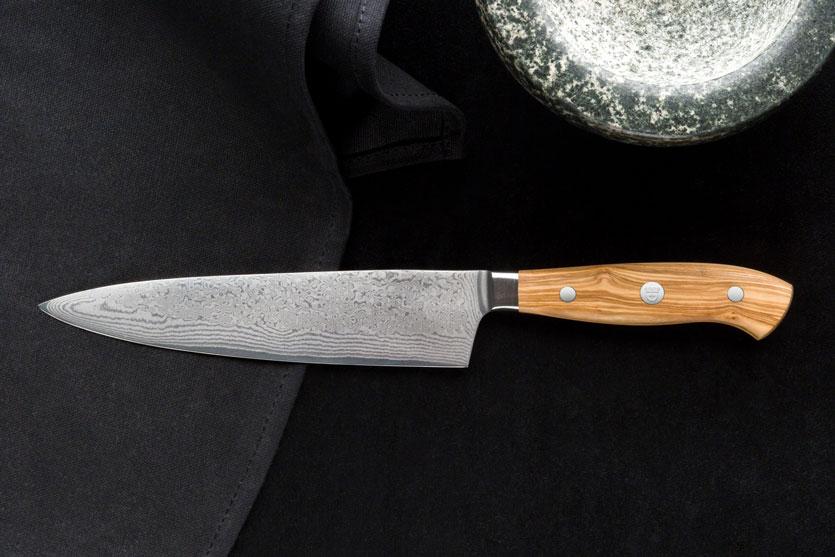 Kochmesser für Profis: Scharfe Klingen, Tradition und Kultur